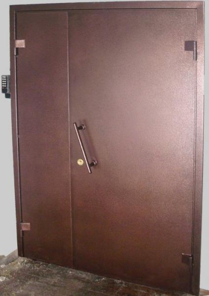 изготовление и установка тамбурных металлических дверей