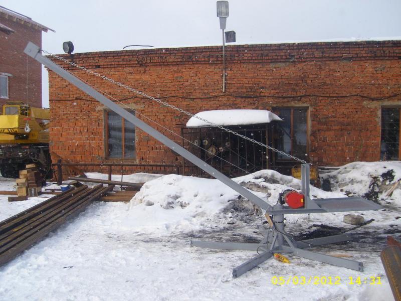Кран козловой с эл. тельфером грузоподъемностью 200 кг, 250 кг и 400 кг (устанавливается на крышу зданий для подъема.