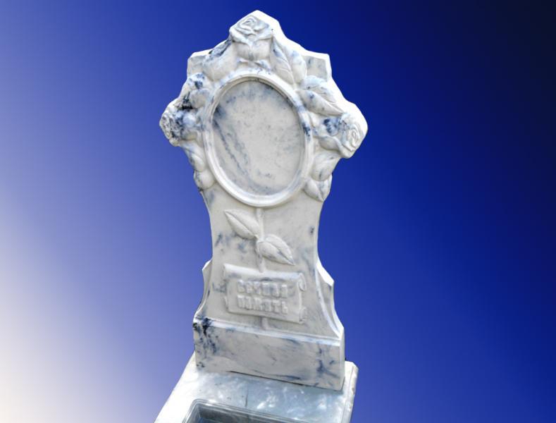 Памятник из искусственного камня