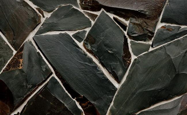 Черный камень фото