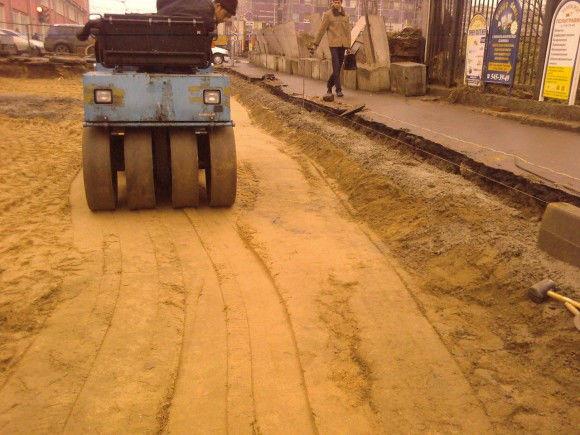 Устройство основания из песка толщиной 30 см - купить в Новосибирске, цена 1.00 руб - ТРАНСЕРВИС-ДДС, ООО