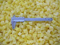 замороженный картофель -кубик