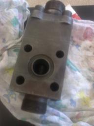 Обратный клапан 5122.09.14.000-1сб для экскаватора ЭО-5126