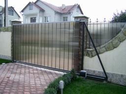 Ворота откатные под поликарбонат с металлическим каркасом