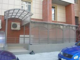 Быстровозводимые конструкции из металла и поликарбоната
