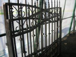 Ворота и калитка с элементами ковки столбы из витой трубы купить сразу
