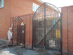 Ворота и заборы, мостики и навесы кованые