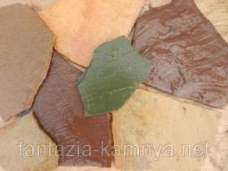 Песчаник зеленый в мешках, размер 8-15 см 1,5-2,5 см.