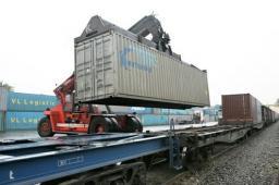 Перевозки мебельной продукции в ж/д контейнерах из Москвы по России.