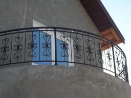 Ограждение балконов кованые