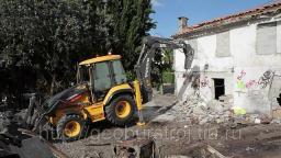 Снос зданий в условиях плотной городской застройки