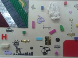 Тактильная панель с декоративными элементами
