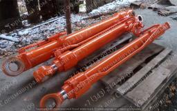 Гидроцилиндр стрелы на Hitachi ZX330-3; артикул: 4628636, 4628637