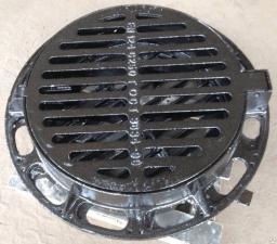 Дождеприемник ВЧШГ круглый с шарниром с замком с резиновой прокладкой 48кг
