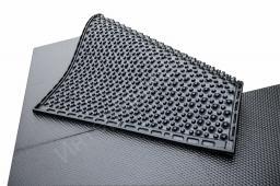 Коврик резиновый для стойло-мест 1800х1200х30 разноуровневый шип