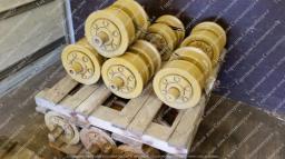 Каток опорный двубортный для бульдозеров John Deere 1050K