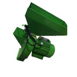 Измельчитель зерна и корнеплодов СтавМаш КИЭ-3. Производительность до 300 кг/ч