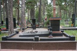 Гранитный памятник №17