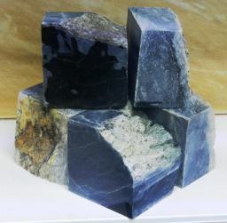 Нефрит колото-пиленный камень для бани