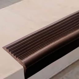 Угловая самоклеящаяся противоскользящая накладка на ступени (коричневая)